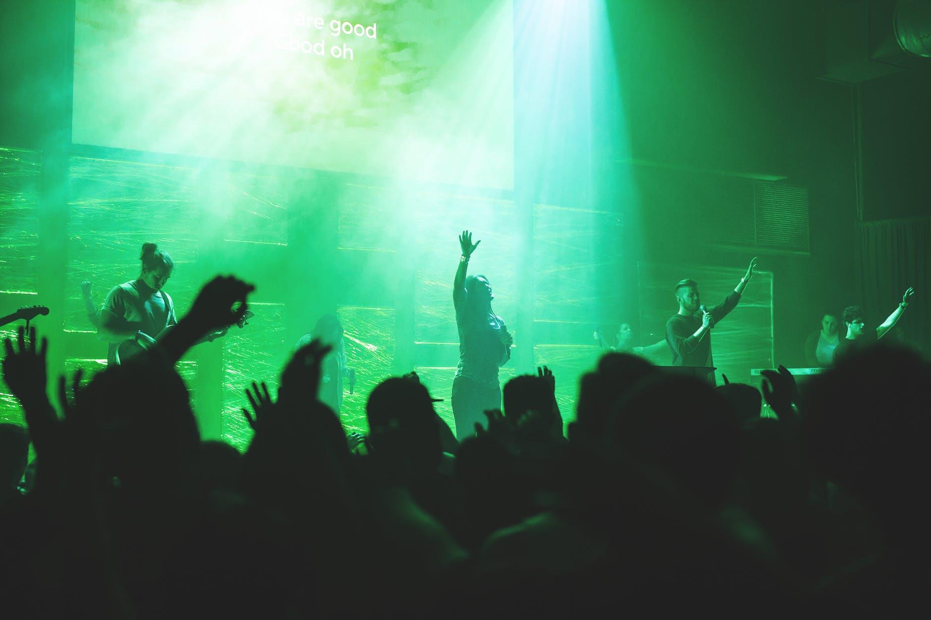 audience band christians church