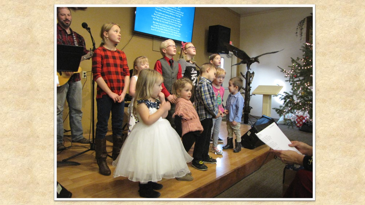 A Hope Chapel family Christmas .jpg